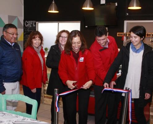 inauguramos cafetería en Cormup (bajada)