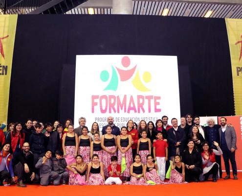 Alcaldesa Carolina Leitao firma convenio para programa artístico FORMARTE