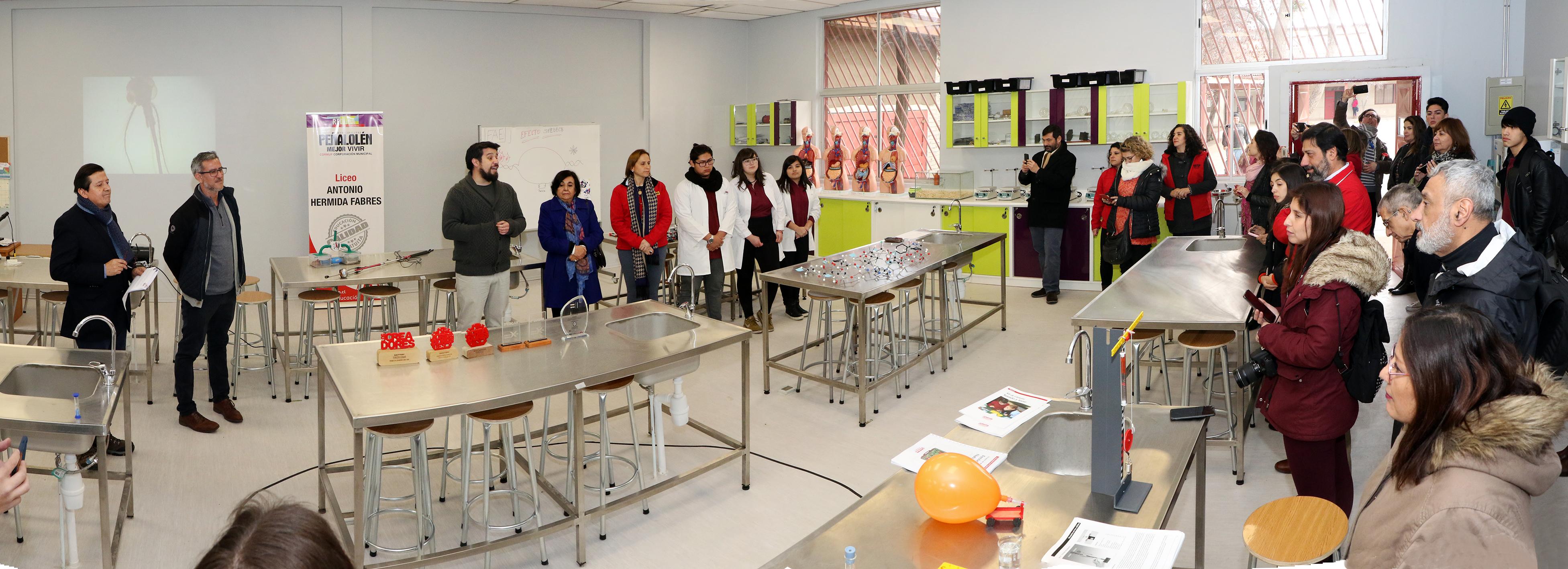 Laboratorio-de-Ciencias-Liceo-Antonio-Hermida-Fabres-12