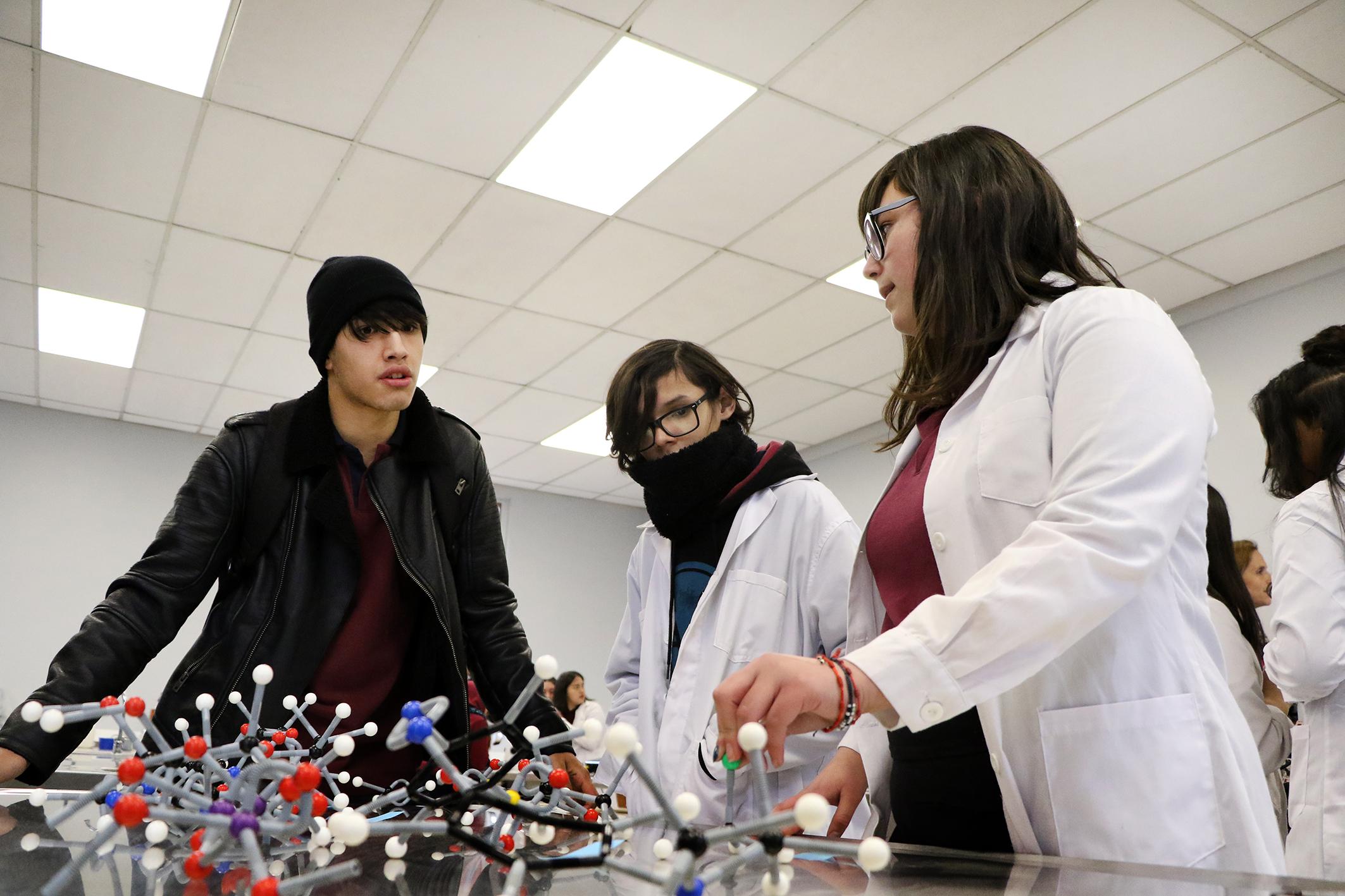Laboratorio-de-Ciencias-Liceo-Antonio-Hermida-Fabres-13