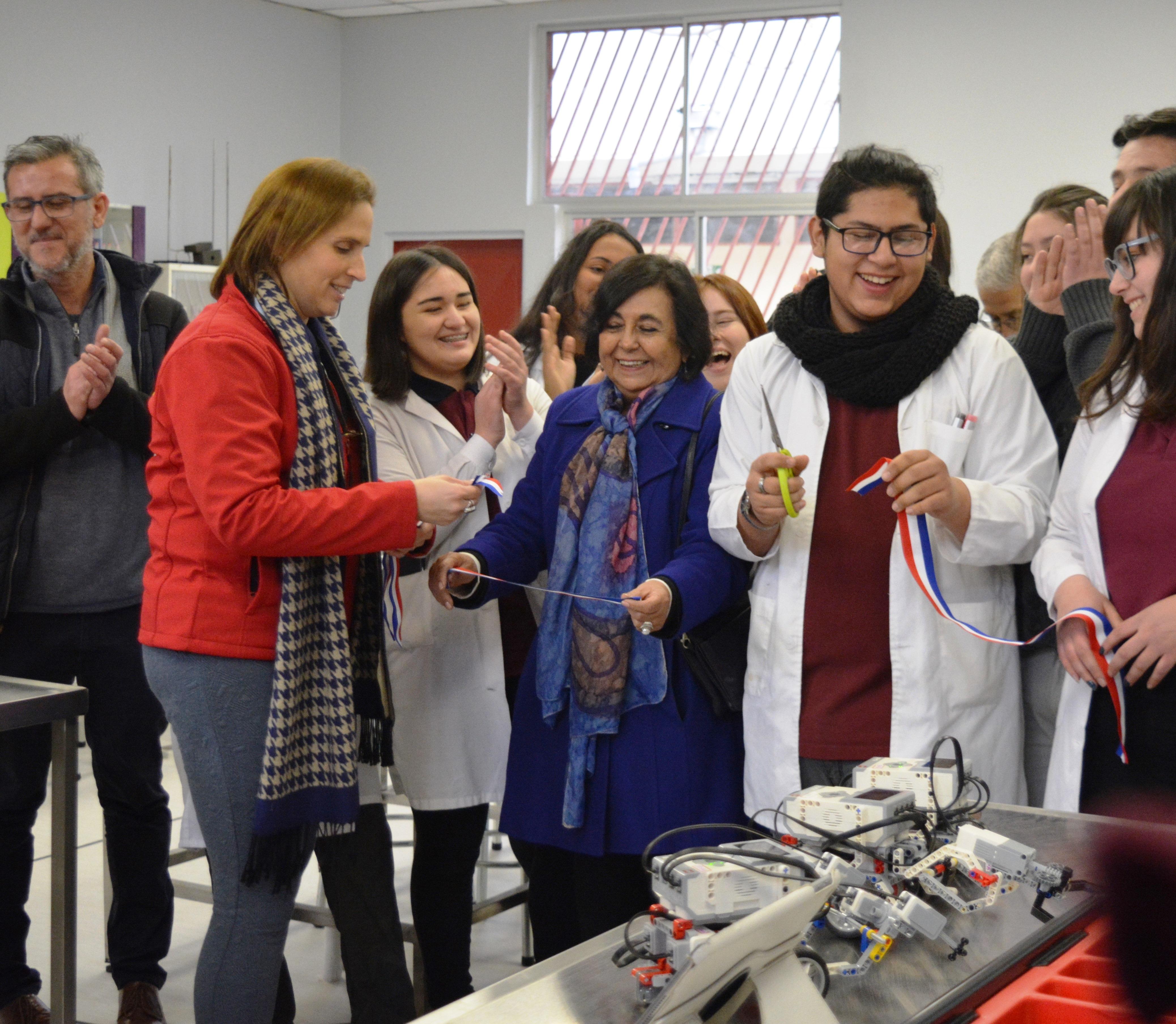 Laboratorio-de-Ciencias-Liceo-Antonio-Hermida-Fabres-25