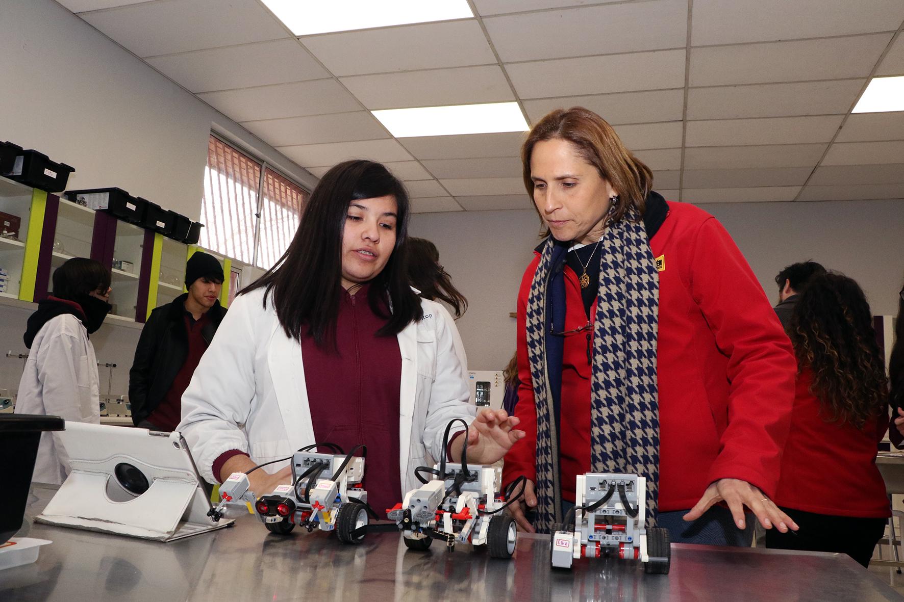 Laboratorio-de-Ciencias-Liceo-Antonio-Hermida-Fabres-30
